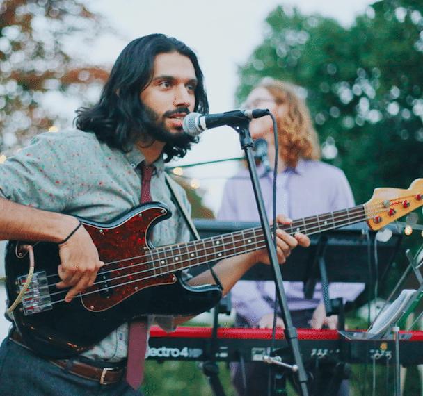 Bass guitar lesson london teachers - Bruce music