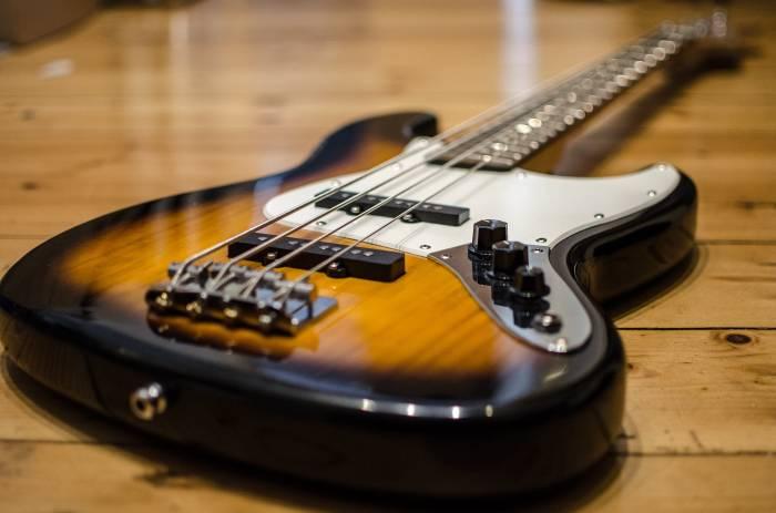 Bass Guitar London - Bruce Music