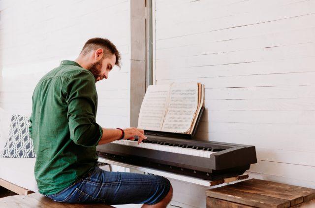 keyboard lessons in London