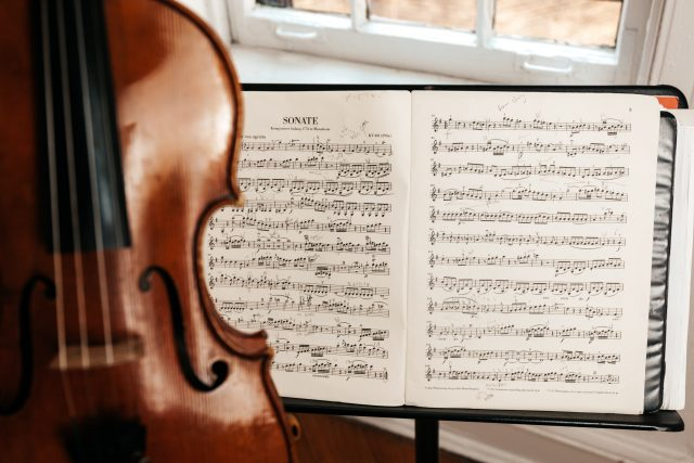 violin lessons in london - bruce music