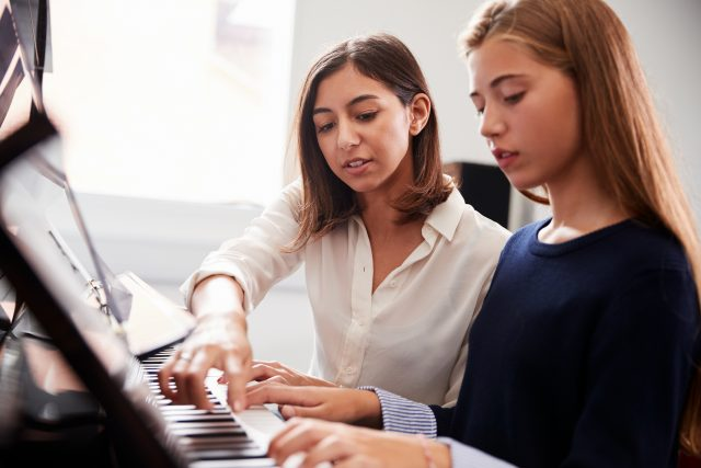 piano lessons Hull